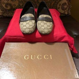 100% Auth Gucci Loafers